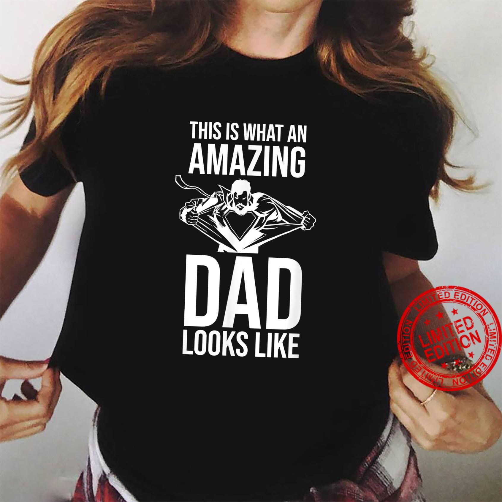 This Is What An Amazing Dad Looks Like Mens Father/'s Day T-Shirt